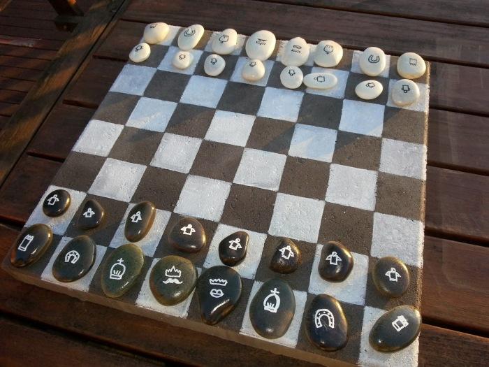 Шахматные фигуры легко нарисовать краской. /Фото: 3.bp.blogspot.com