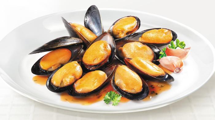 Морепродукты обязательно стоит включить в свой постоянный рацион. /Фото: amorez.com