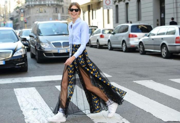 Частично прозрачные юбки – оригинальное сочетание скромности и эапатажа. /Фото: abxdesigner.com