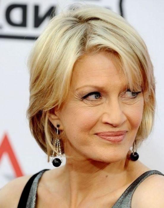Но есть и хорошие варианты стрижек для женщин средних лет. /Фото: i.pinimg.com
