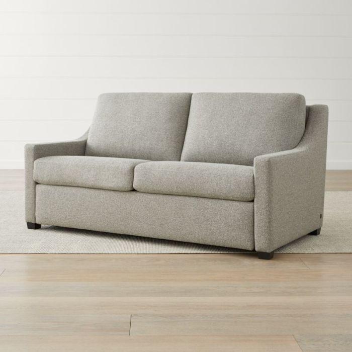 На первый взгляд этот диван ничем не отличается от другой мебели, но только на первый. /Фото: images.crateandbarrel.com