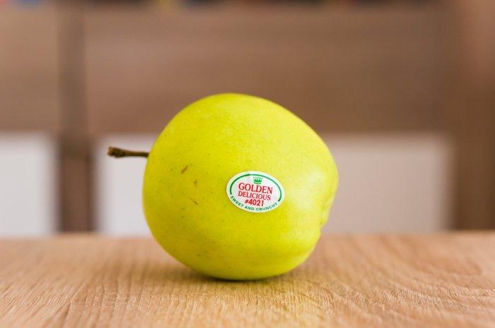 Наклейки на фруктах играют значительную информационную роль. /Фото: g4.dcdn.lt