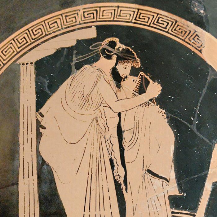 Гомосексуальная античность имела место и в армии. /Фото: encrypted-tbn0.gstatic.com