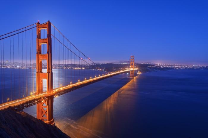 Мост Золотые ворота вовсе не золотой, а оранжевый. /Фото: c.wallhere.com
