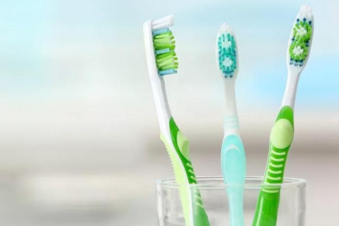Если оригинальная ручка сломалась, проблему можно решить с помощью подручных средств. /Фото: dental-clinic.expert