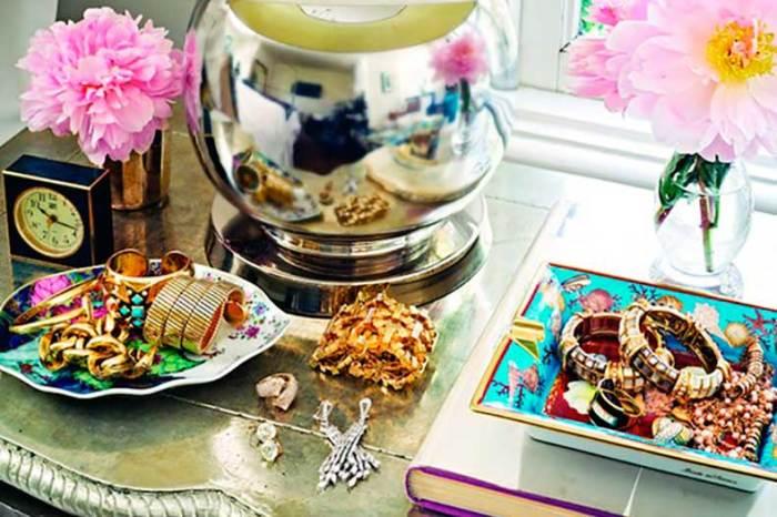 Фарфоровая посуда красиво смотрится не только на кухне. /Фото: cdn.cutypaste.com