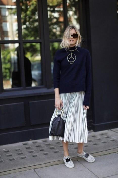 Плиссированная юбка отлично вписывается в современные образы. /Фото: photo-3-baomoi.zadn.vn