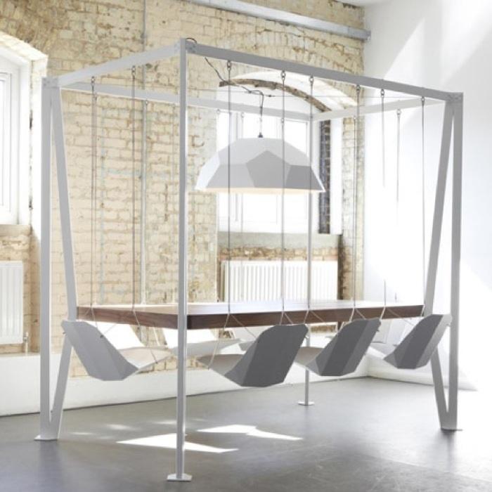 С такой мебелью сложно работать, зато замечательно отдыхать. /Фото: mymodernmet.com