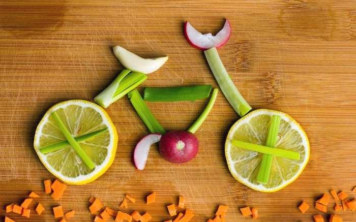 Правильная диета важна даже для стройных и спортивных. /Фото: ratatum.com