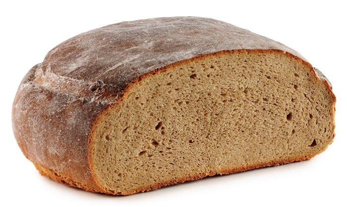 Черный хлеб по калорийности не уступает белому. /Фото: marions-kochbuch.de