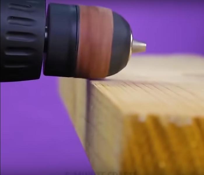 Шуруповерт — настоящая палочка-выручалочка для ремонта своими руками.