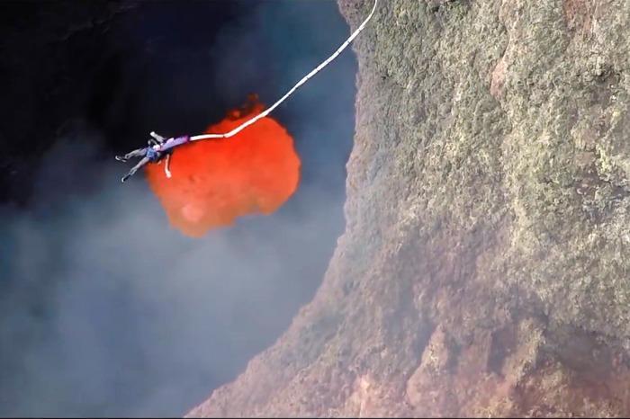 Экстрим от прыжка к «геенне огненной» забудется не скоро. /Фото: unwind.imgix.net