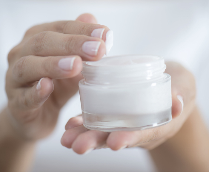 Время от времени средства для ухода за кожей нужно менять. /Фото: dermstore.com