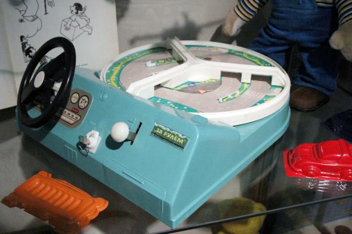 Увлекательная игра, которая нравилась не только мальчикам. /Фото: lh5.googleusercontent.com