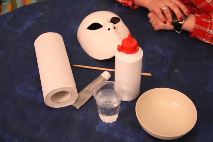 Создать хороший настрой можно даже с помощью туалетной бумаги. /Фото: vidpovidi.net.ua