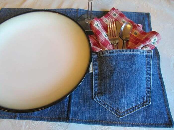 Джинсовые салфетки с чехлом для столовых приборов можно сшить своими руками. /Фото: i.etsystatic.com