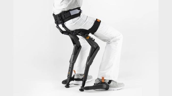 Устройство не только помогает присесть, но и облегчает ходьбу. /Фото: res.cloudinary.com