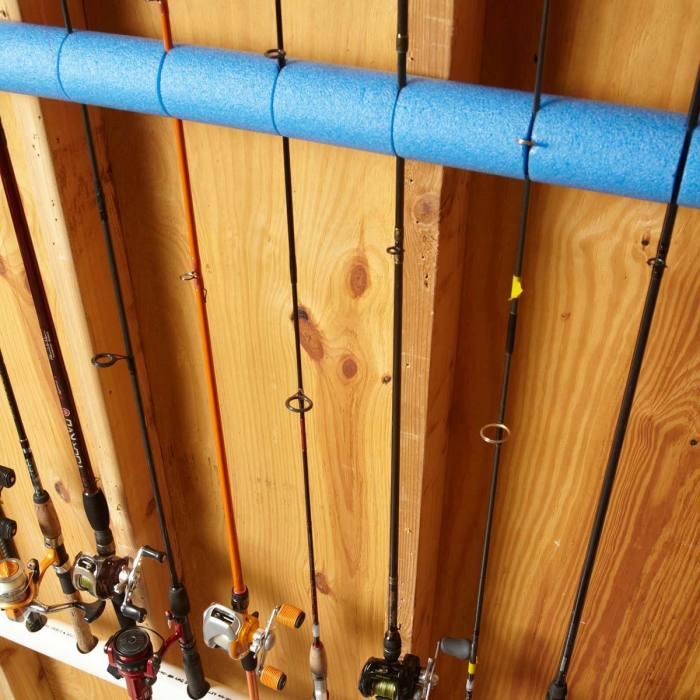 С аквапалкой удочки будут храниться в полном порядке. /Фото: familyhandyman.com
