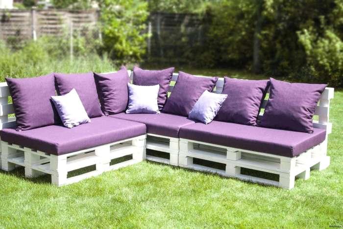 Идея для функционального сада — смотрится оригинально и красиво, приносит практическую пользу, а стоит минимум денег. /Фото: cornerstonecustomehomes.com