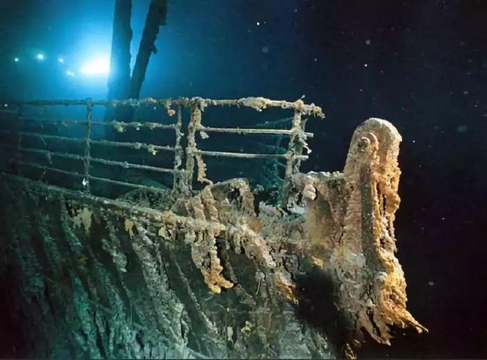 Большой лайнер не сразу нашли на дне океана. /Фото: 5b0988e595225.cdn.sohucs.com