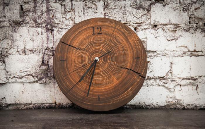 Удивительно красивая фактура дерева, которой можно любоваться бесконечно. /Фото: shop-cdn1.vigbo.tech