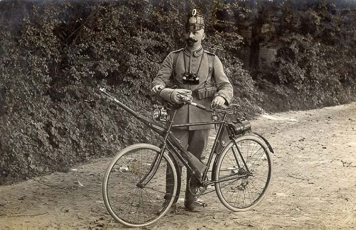 Велобоец времен Франко-Прусской войны. /Фото: i.imgur.com