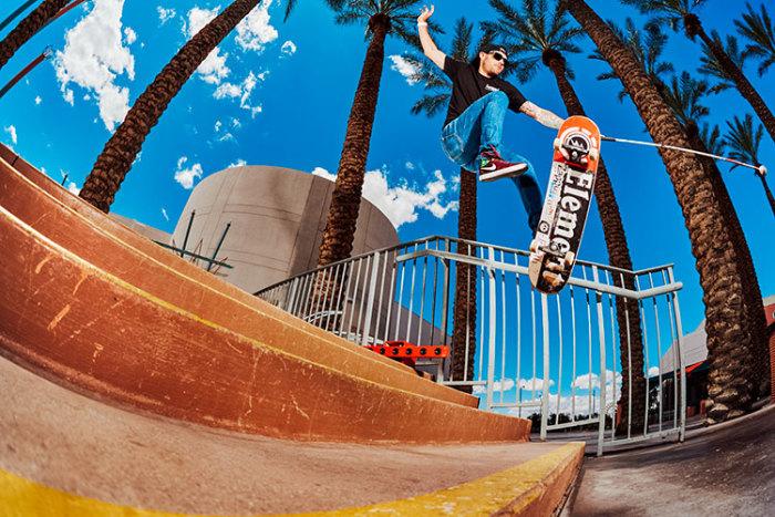 Джастин выполняет трюки, ориентируясь в пространстве с помощью Sonic Localizer. /Фото: thrashermagazine.com