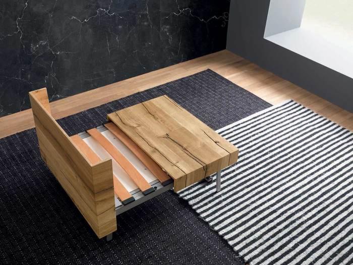 Журнальный столик, который умеет трансформироваться. /Фото: viadurini.it