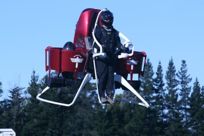 В недалеком будущем мы сможем летать не хуже супергероев. /Фото: dynaimage.cdn.cnn.com