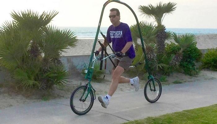 GlideCycle выглядит неординарно, но по сути нет только педалей. /Фото: gadgenda.com