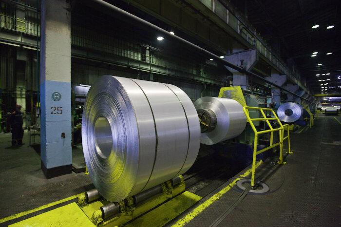 Производство фольги впечатляет своими масштабами. /Фото: ic.pics.livejournal.com