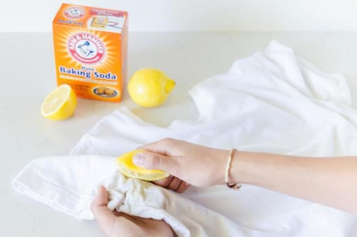 Пара пятен не заставит вас выбросить одежду, если использовать этот лайфхак. /Фото: deshbhabna.com