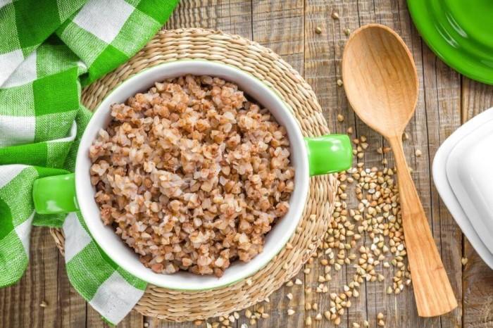 Греча весьма полезна для здоровья за счет высокого содержания нужных витаминов и микроэлементов. /Фото: dqzrr9k4bjpzk.cloudfront.net