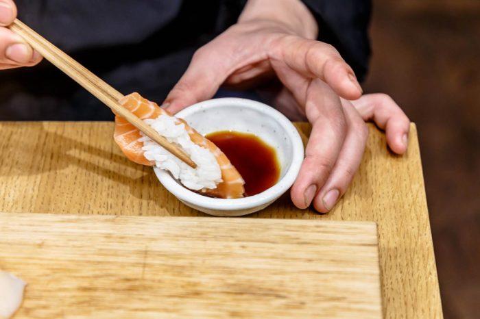 Васаби — отдельный продукт, который не стоит смешивать ни с чем. /Фото: cultura.menu