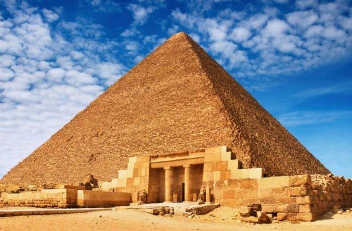 Пирамиды — величественные сооружения, с которыми не сравнятся даже современные изобретения. /Фото: mandria.ua