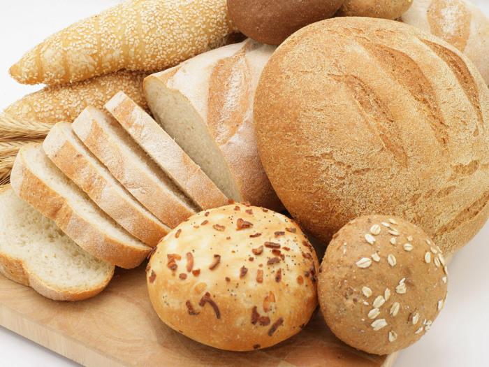 Даже в красивом и аппетитном белом хлебе кроется опасность. /Фото: menslife.com