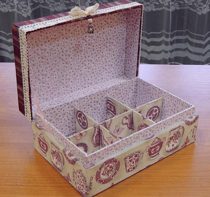 Полезное и функциональное изобретение для хранения бижутерии. /Фото: postroika.biz