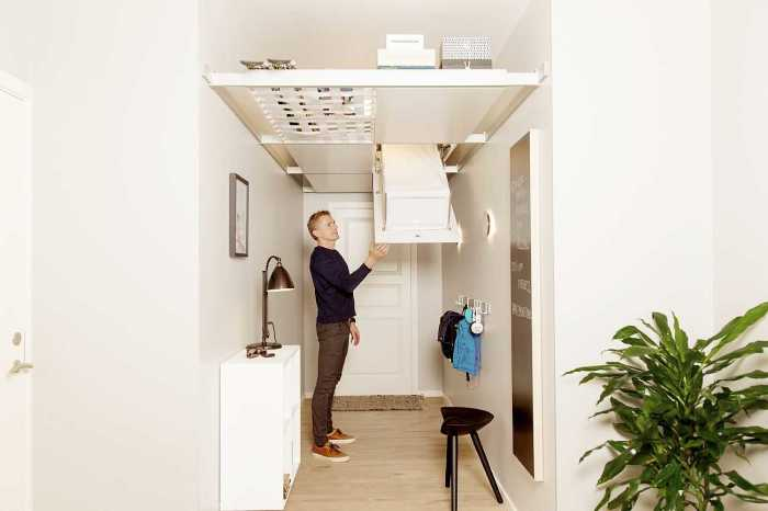 Хранение под потолком – отличное решение для небольших пространств с высокими потолками. /Фото: cfmoller.com