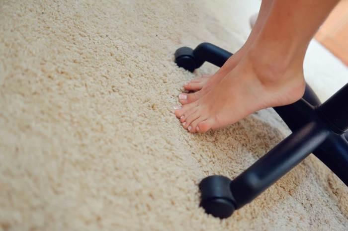 Не ходите по коврам босиком. /Фото: lizamunter.files.wordpress.com