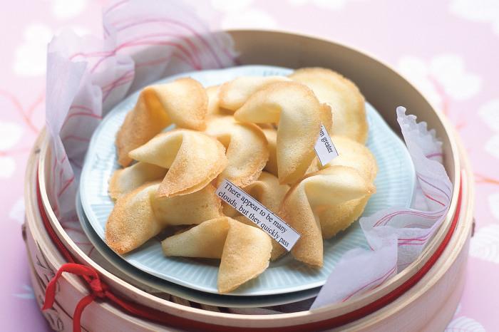 Печеньки с предсказаниями в первый раз появились вовсе не в Китае. /Фото: cdn.taste.com.au