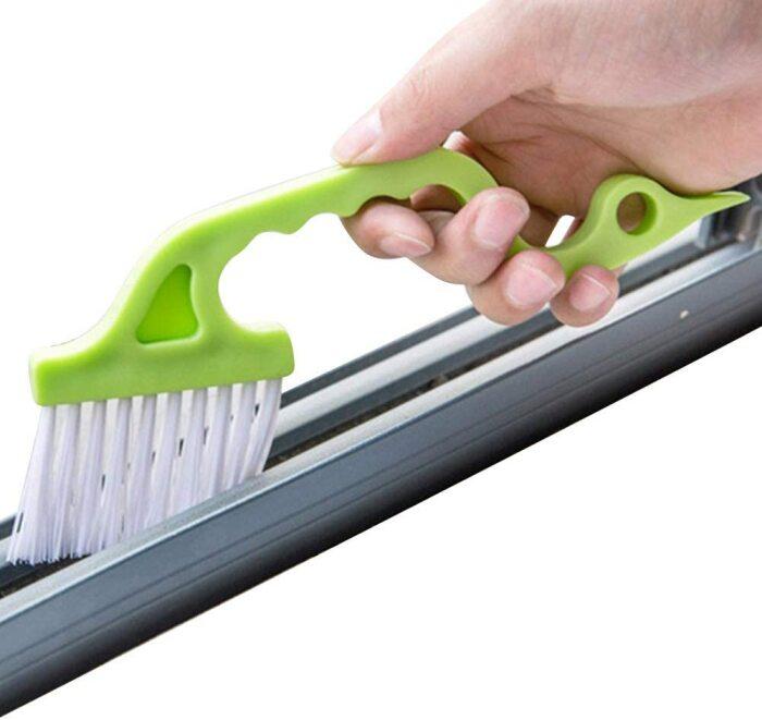 Узкая, с длинным ворсом щетка легко вычистит мусор из пазов. /Фото: images-na.ssl-images-amazon.com