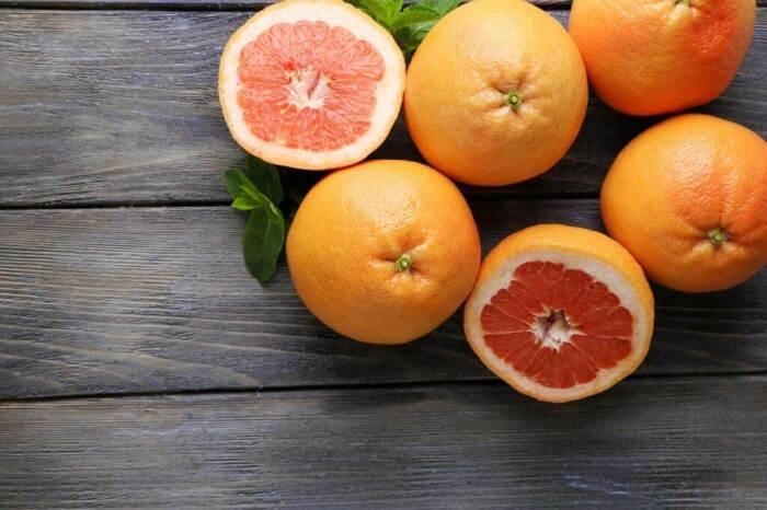 Грейпфрут может стать отличным дополнением к ежедневному завтраку. /Фото: blog.metro.ua