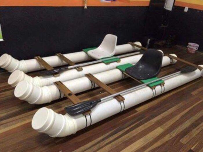 Самодельный плот, который поможет на даче не только поработать, но и отдохнуть. /Фото: i.pinimg.com