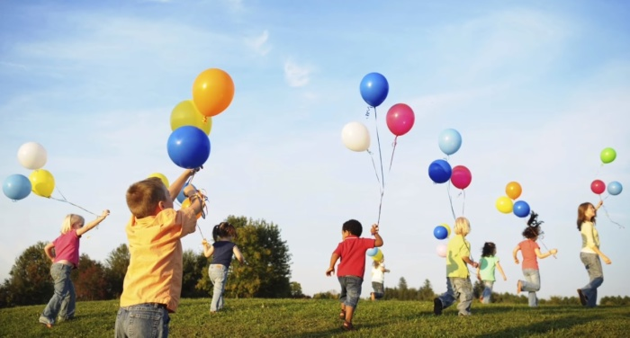 Воздушные шарики сегодня – неотъемлемый атрибут праздников. /Фото: