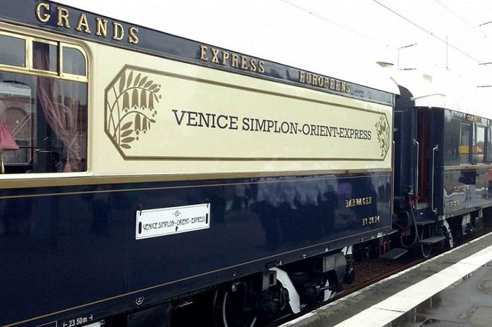 Классические маршруты Venice Simplon-Orient-Express проходят через Лондон, Париж, Венецию, Берлин, Прагу, Вену и Будапешт. /Фото: interiorsinfo.com