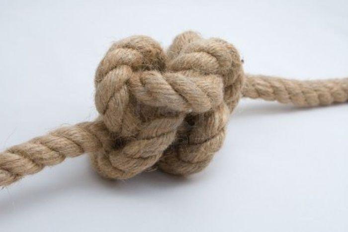 Крахмал облегчает распутывание узлов. /Фото: fosdeh.com