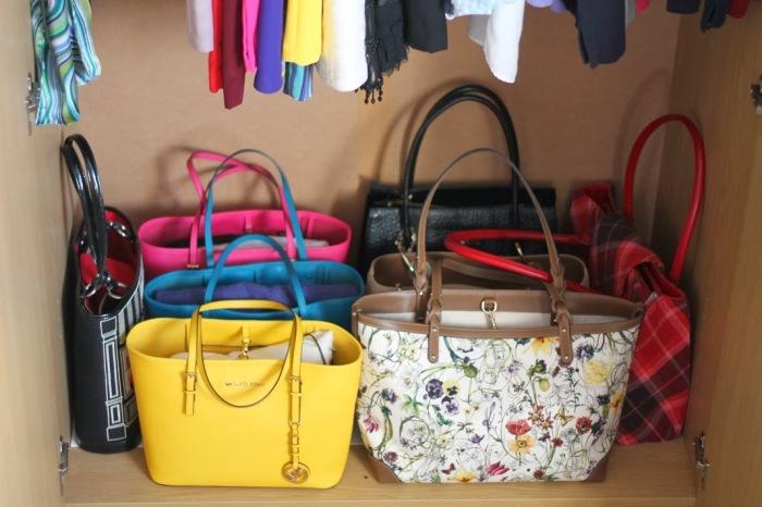 Облегчить хранение вещей может обычная пузырчатая пленка. /Фото: 3.bp.blogspot.com
