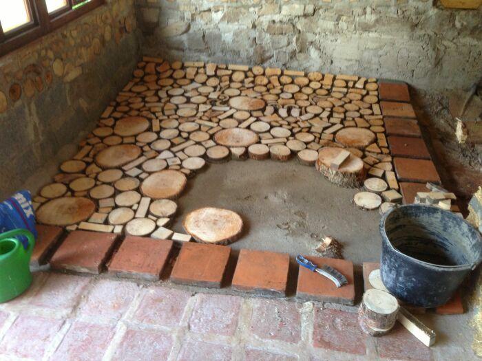 Пол из дерева может иметь разный вид. /Фото: i.pinimg.com