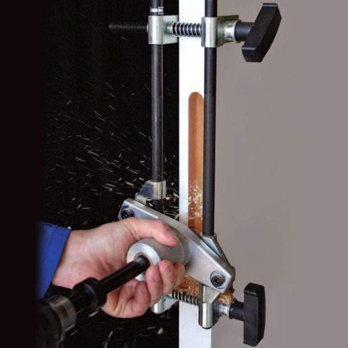 С таким станком создать врез в двери не составит труда. /Фото: images-na.ssl-images-amazon.com