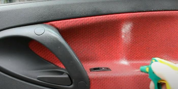 Простое и недорогое натуральное средство, которое поможет помыть машину. /Фото: youtube.com